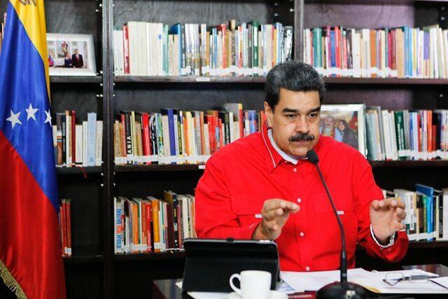 venezuela-lideri-maduroya-darbeyi-planlayan-abdli-yesil-bereli-asker-cikti_6028_dhaphoto1